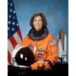Amazing Mentor! Interview with Dr. Ellen Ochoa